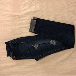 Skinny jeans distressed